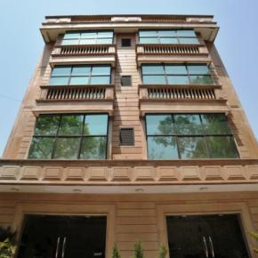 Hostely a ubytovny - Emarald Hotel
