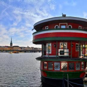 Hostely a ubytovny - The Red Boat
