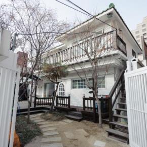 Hostely a ubytovny - Big John's Place