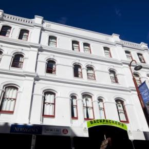 Hostely a ubytovny - Backpackers Imperial Hotel