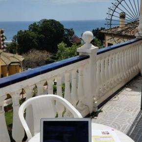 Hostely a ubytovny - Malaga Beach and Center Backpackers
