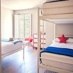 Hostely a ubytovny - Alcazaba Premium Hostel