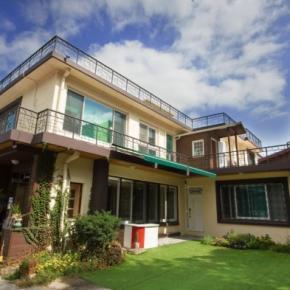 Hostely a ubytovny - 24 Guesthouse Namsan Garden