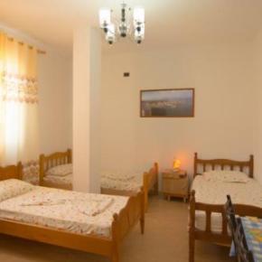 Hostely a ubytovny - Almiri Guest House