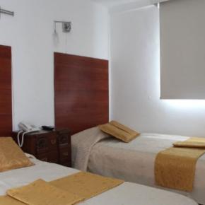 Hostely a ubytovny - Hotel La Santamaría