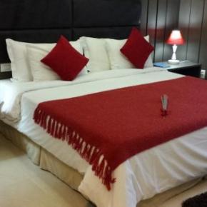 Hostely a ubytovny - Mondrian Suite Hotel