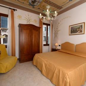 Hostely a ubytovny - Hotel Iris