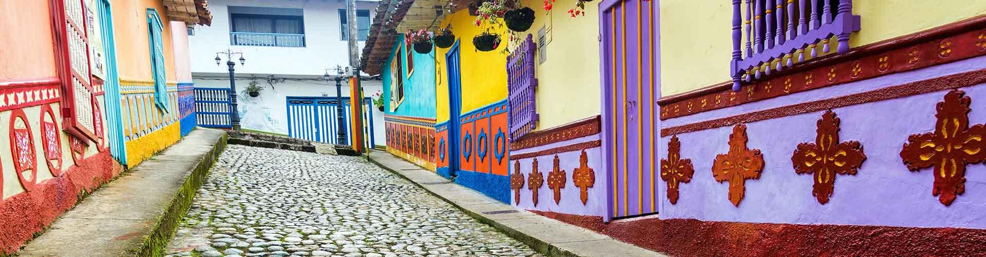 Medellin - Hostelů v Medellin. Mapy pro Medellin, fotky a recenze pro každý hostel v Medellin.