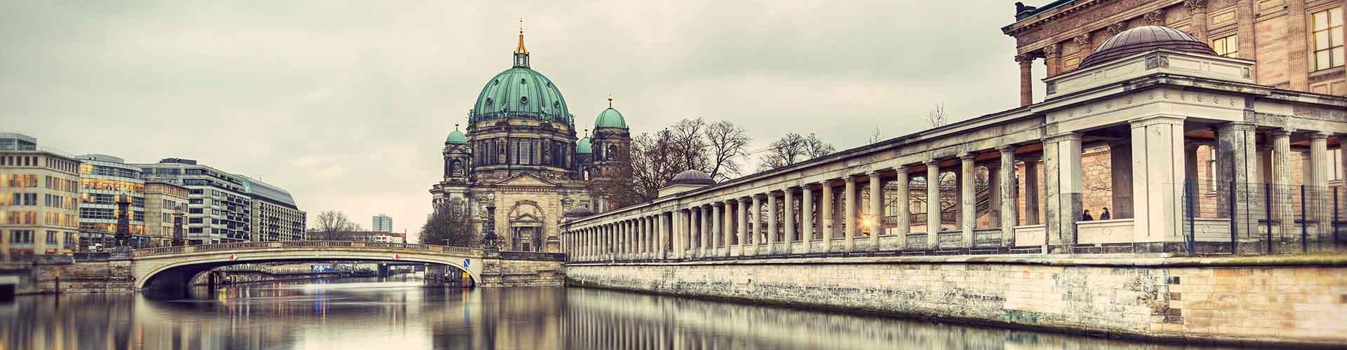 Berlín - Hostelů v blízkosti Berliner Dom. Mapy pro Berlín, fotky a recenze pro každý hostel v Berlín.