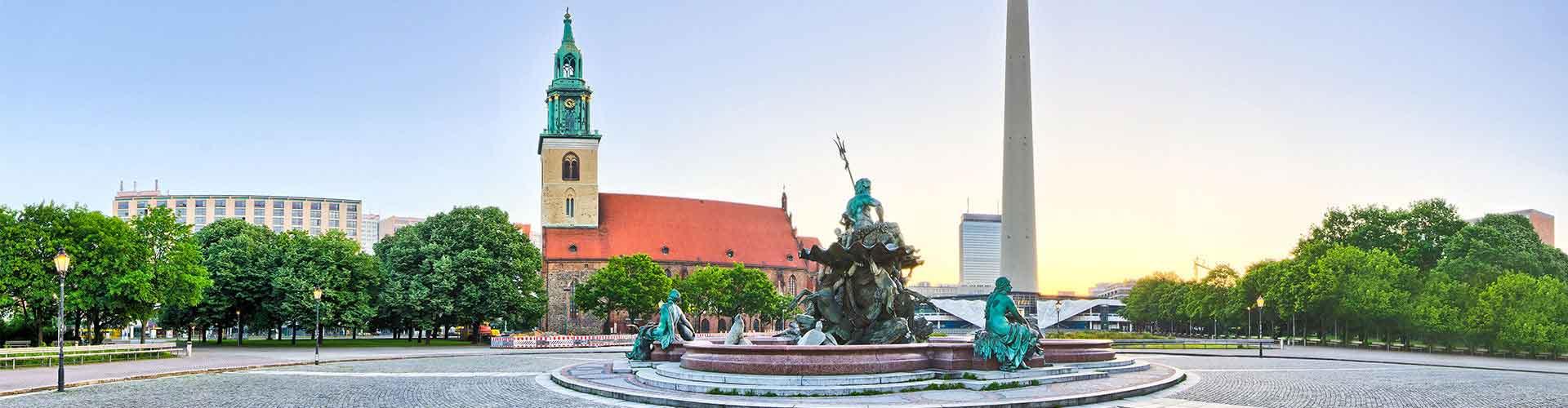 Berlín - Hostelů v blízkosti Fernsehturm. Mapy pro Berlín, fotky a recenze pro každý hostel v Berlín.