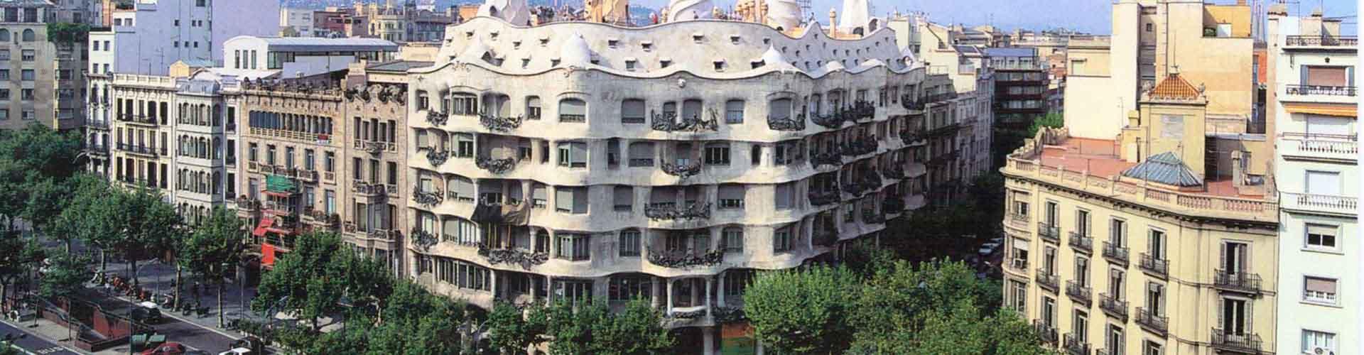 Barcelona - Hostelů v blízkosti Casa Mila. Mapy pro Barcelona, fotky a recenze pro každý hostel v Barcelona.
