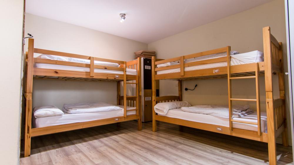 4 beds dorm with bathroom