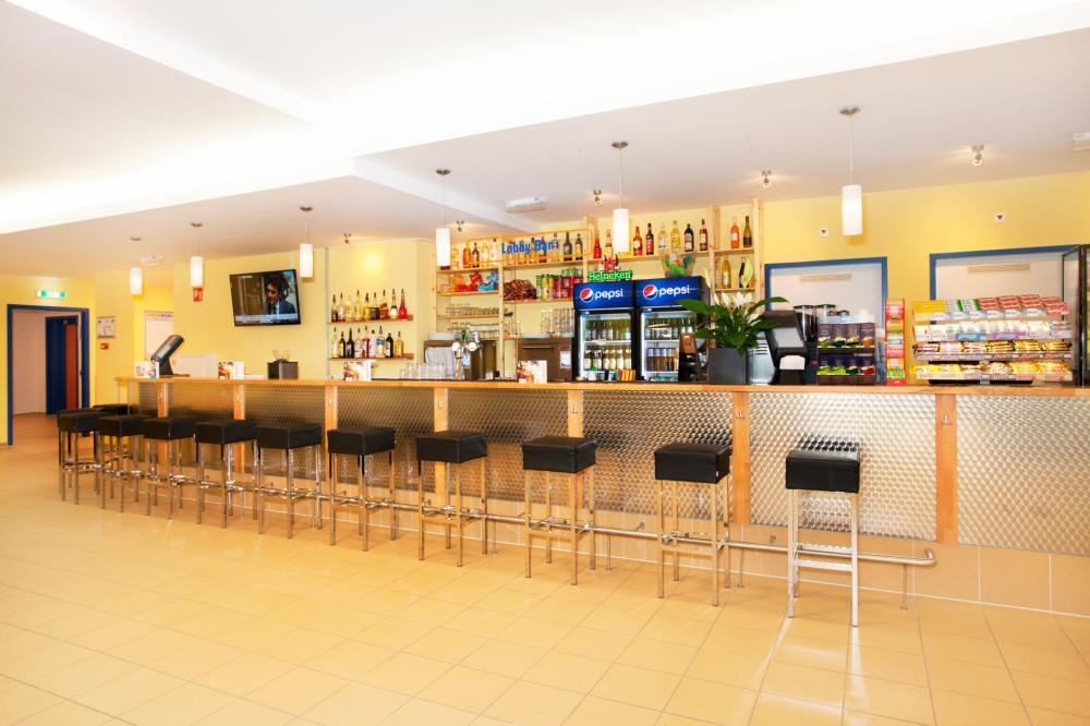 Přijďte a dejte se drink v našem vlastním baru