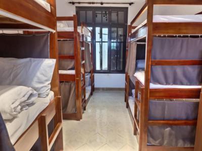 Hostely a ubytovny - 7Fridays West lake Hostel