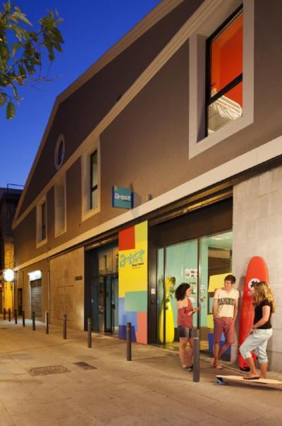 Hostely a ubytovny - Amistat Beach Hostel Barcelona