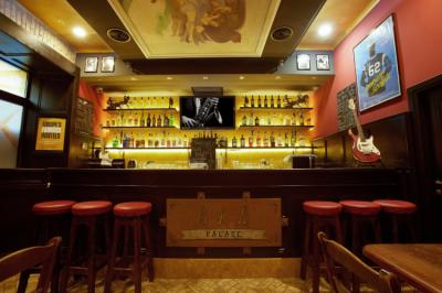 Hostely a ubytovny - Alessandro Palace Hostel & Bar