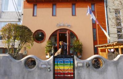 Hostely a ubytovny - Shantee House